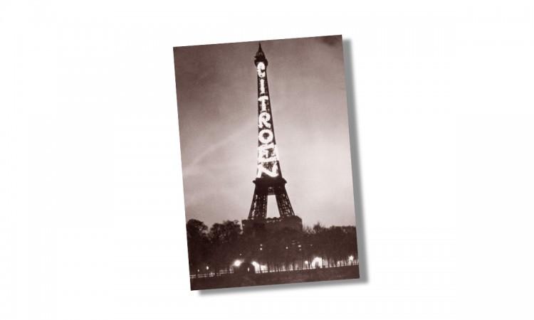 Werbung von Citroën am Eiffelturm