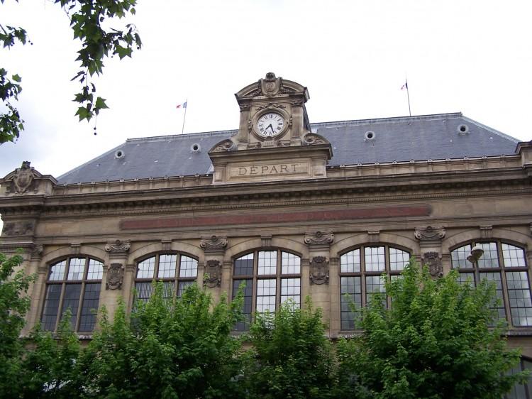 Bahnhof (Symbolbild)